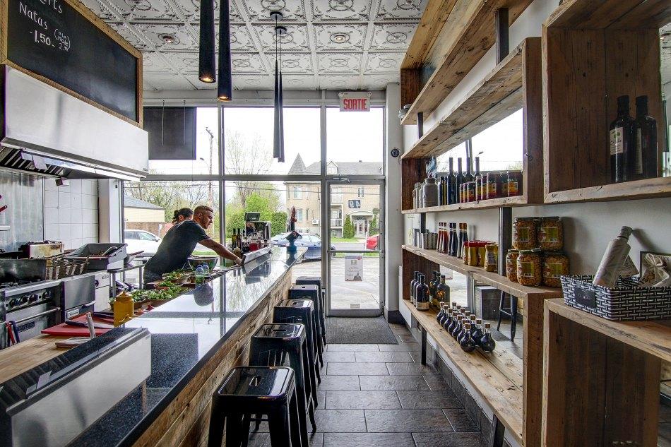 Condo Quinze Nord - Restaurant Escudo